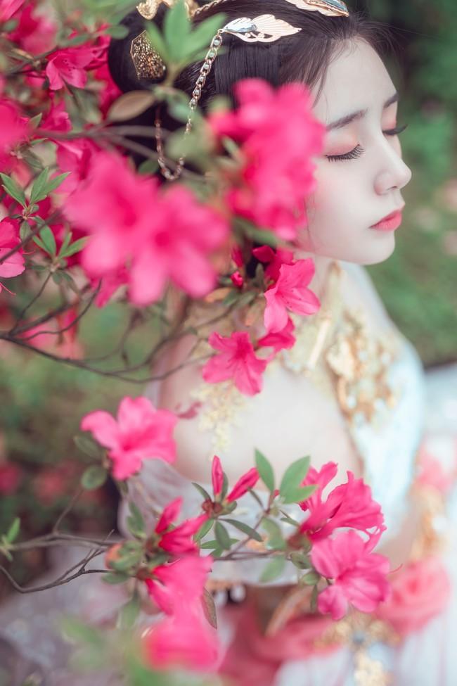 『来如春梦几多时  去似朝云无匿处』
