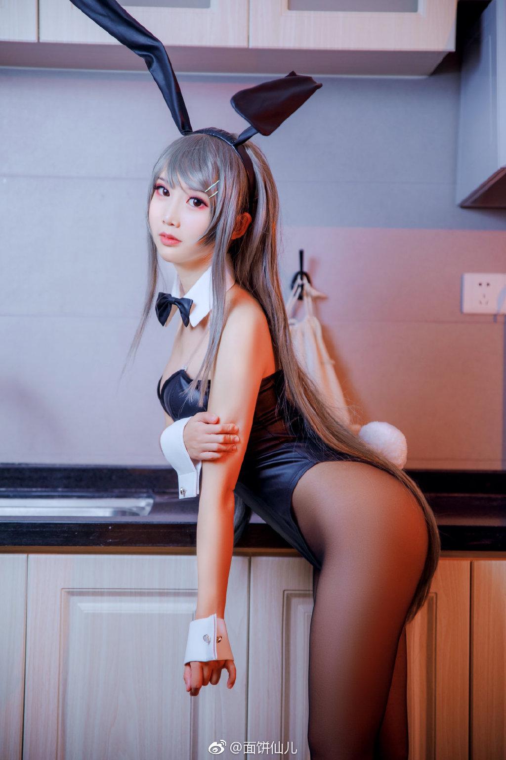 你们要的学姐兔女郎。