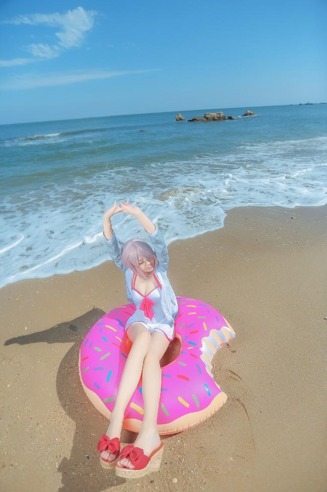 夏天还是想挑战一下泳装的